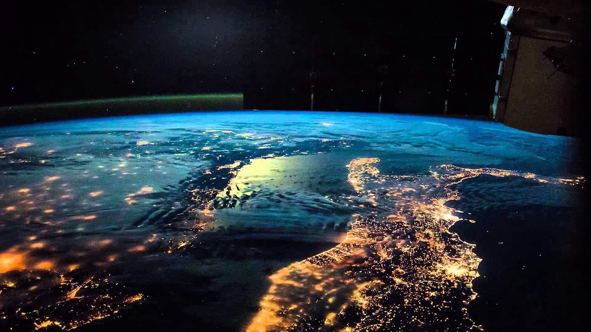 Italia vista dallo spazio spettacolare passaggio dell 39 iss for Foto spazio hd